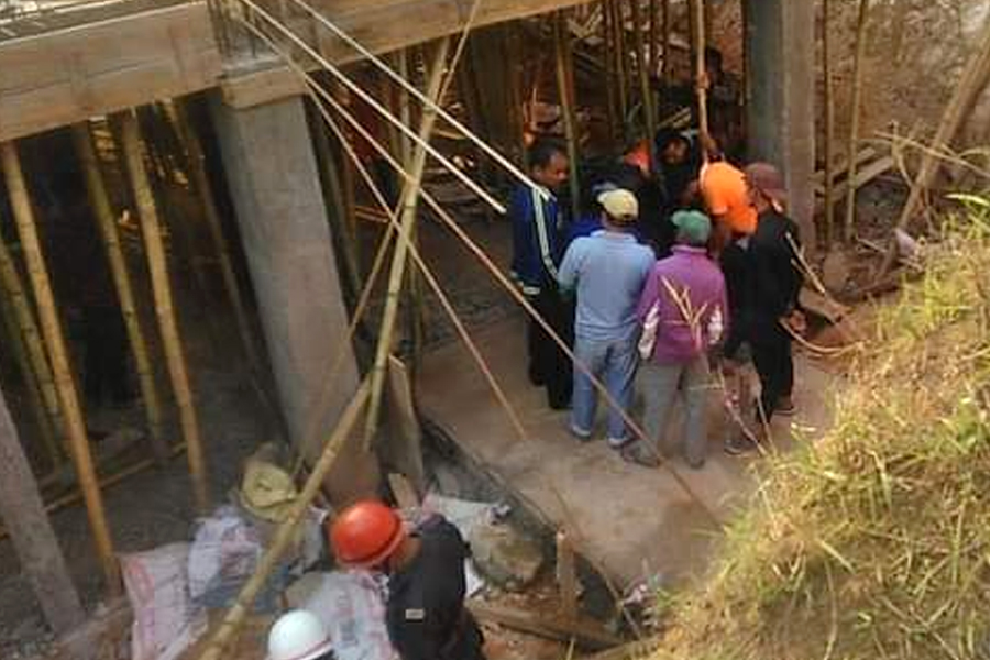 Meghalaya deep well accident 1